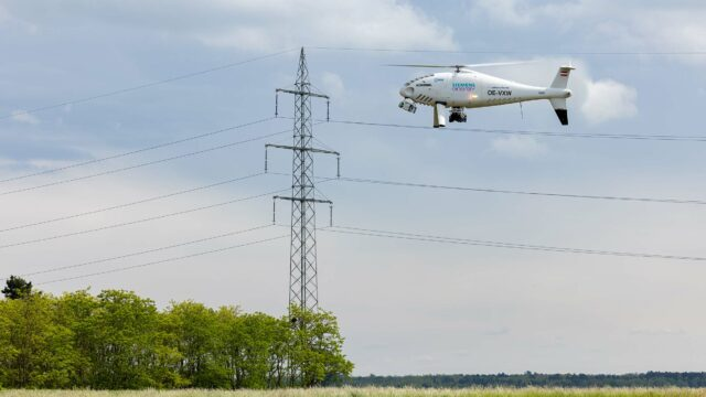 Schiebel CAMCOPTER<sup>®</sup> S-100 – Smart Unmanned Powerline Inspection